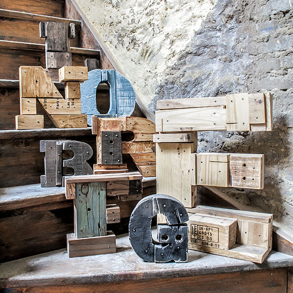 Letras-de-madera-para-tu-boda-de-Pétula-Plas, letra-para-boda, letras-de-madera, petula-plas,