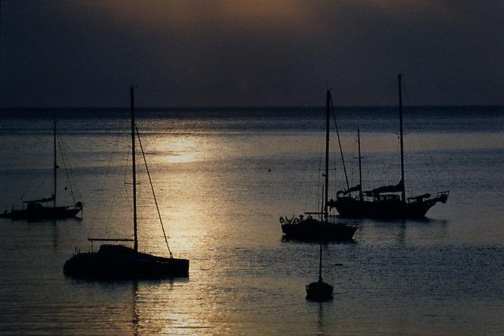 La-luz-dorada-en-vacaciones-fotografía-el-verano, ferran-mallol, classphoto, port-bou, verano, mediterraneo