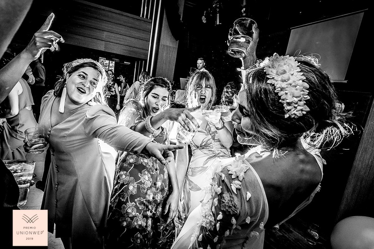 mejor fotografos de bodas de españa, fotografos de bodas en zaragoza, fotografos de bodas en España, Classphoto by Ferran Mallol, fotografía de boda, fotografia de boda emocional, fotografos de bodas en donosti, fotografos de bodas en Jaca, boda en el pirineo, fotografos de bodas en barcelona, fotografos de boda en bilbao, fotografos de bodas en huesca,